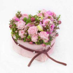 Rosenherz rosa mit Filzmanschette von Blumen Weimar in Neu-Ulm - liegend